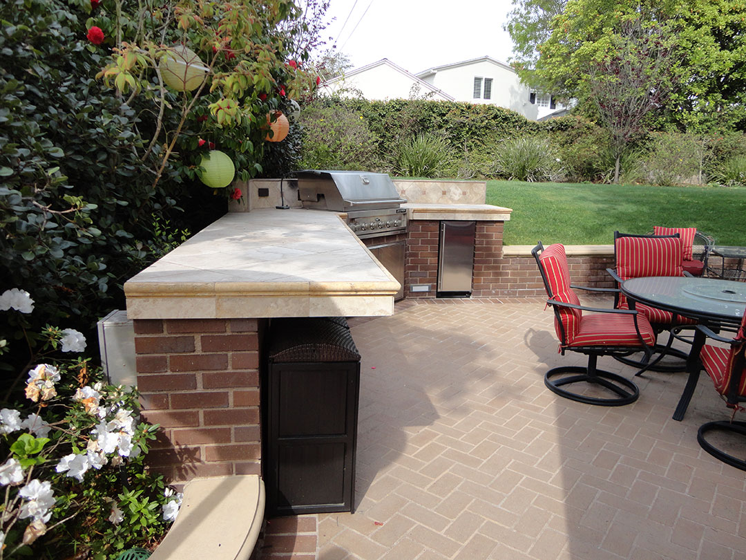 Outdoor patio bbq and entertainment area gemini 2 for Outdoor patio landscaping