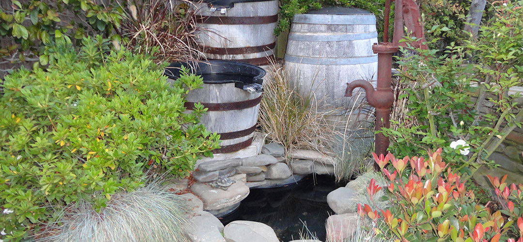 Country Style Water Feature and Pool - Gemini 2 Landscape Construction