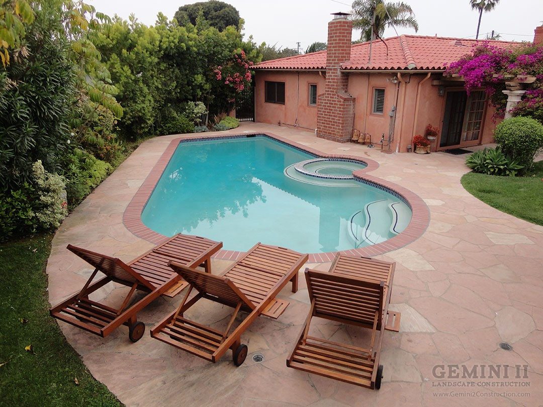 Custom courtyard and pool gemini 2 landscape construction for Courtyard designs with spa
