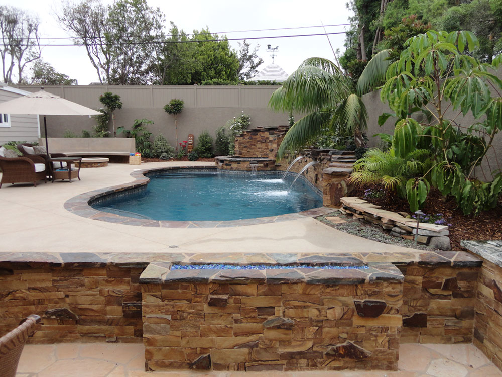 Entertainment backyard with pool and spa gemini 2 for Outdoor pool backyard