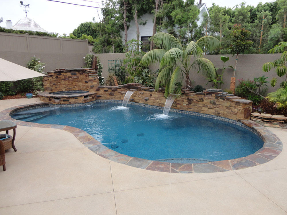 Entertainment backyard with pool and spa gemini 2 for Pool and spa builders