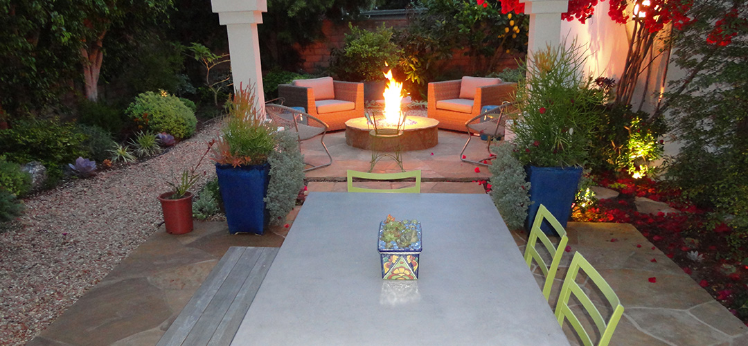 Backyard entertainment patio gemini 2 landscape construction for Backyard entertainment ideas